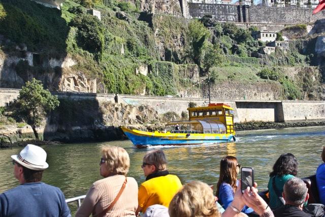 Paseo en barco por el rio en Oporto