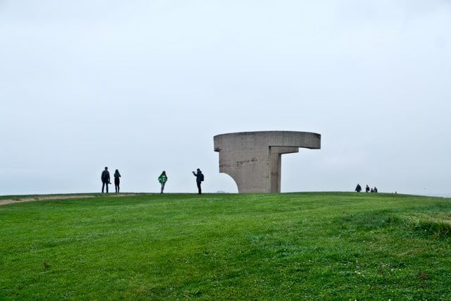 Escultura elogio en Gijón