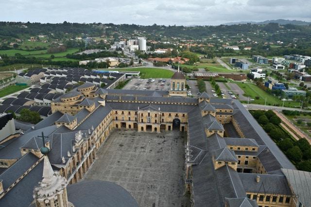 gijon universidad laboral. 10 Planes para un fin de semana en Gijón
