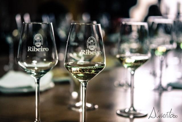 cata de vinos de O Ribeiro