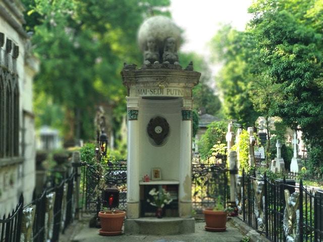 cementerio de Bucarest. Visita a Bucarest