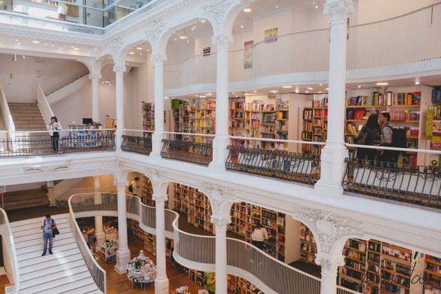 """Librería """"Carturesti Carusel"""" de Bucarest"""