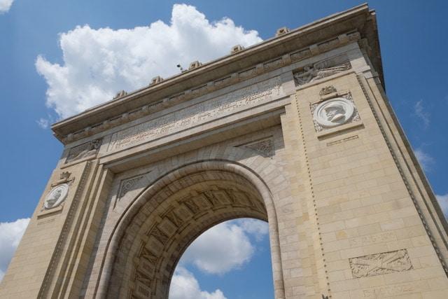 fin de semana en Bucarest, Arco del Triunfo
