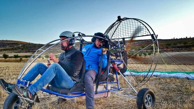 Volar en paratrike en Grávalos con Parapente RiojaVuela