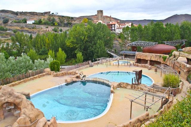 Barranco Perdido en Enciso y piscina
