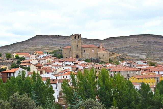Pueblo de Enciso en La Rioja un fin de semana