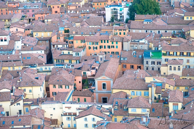 Bolonia desde Due Torri vista desde el aire