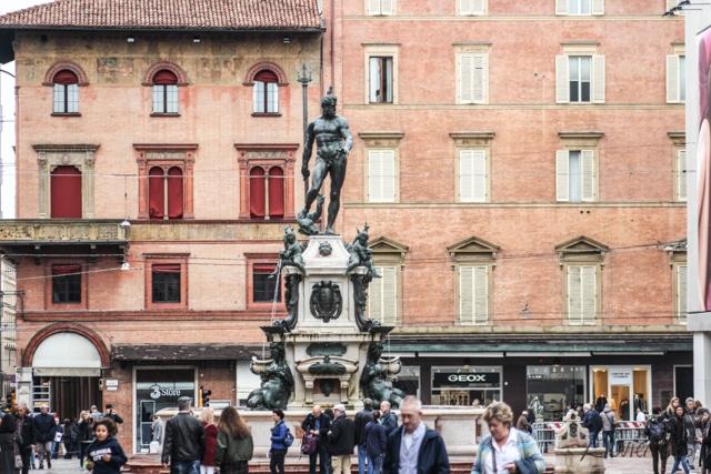 Piazza Neptuno con  la estatua imponente de Neptuno