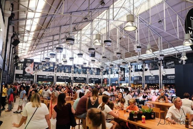 Mercado da Ribeira en Lisboa