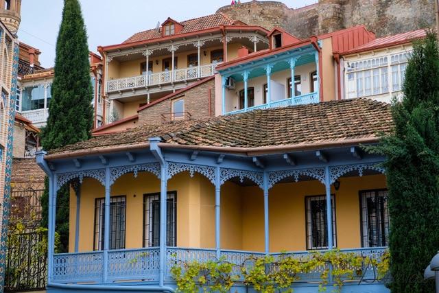 Casas tipicas de Georgia en Tbilisi