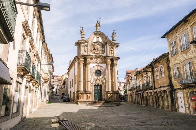 Capela nova en Vila Real en Portugal