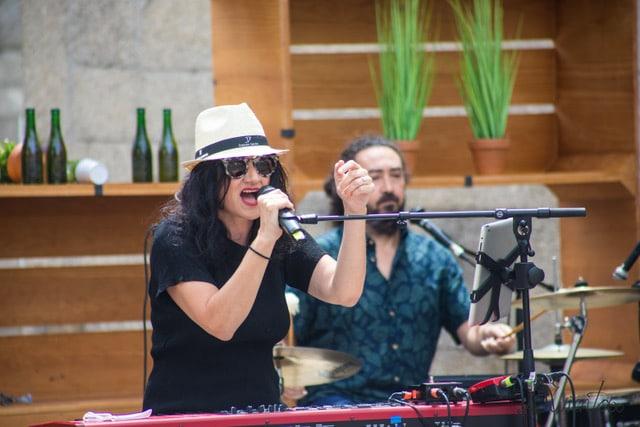Guadi Galego en concierto