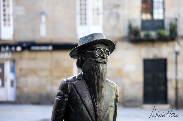 Estatua de Valle Inclan en Pontevedra