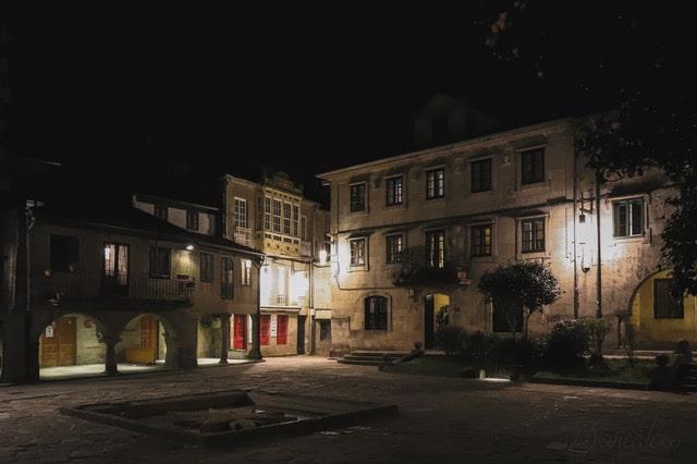 pasear en Pontevedra por la noche