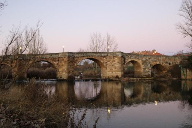 Puente Canto en Sahagún
