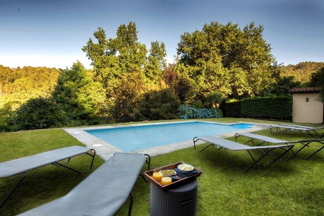 alquilar casa completa con piscina cerca de Sanxenxo