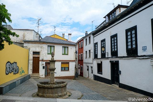 plaza de los cuatro caños en Ribadeo